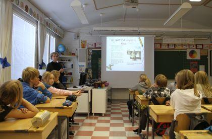 Eläinsuojelua Maikkulan koululla