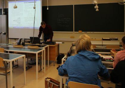 Opiskelijahaastattelu - Fysiikka selittää ympäröivää maailmaa