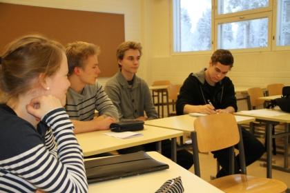 Kurssilta itseluottamusta ja varmuutta ylioppilaskokeen vaativien tehtävien ratkaisemiseen