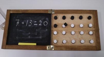 Monipuolisia matematiikan oppimisvälineitä