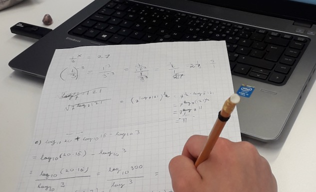 Matematiikan kesäkursseja yliopiston ja lukioiden välisellä yhteistyöllä